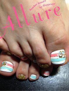 Love!!!! I need a new nail tech!