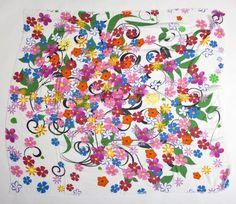 Mix Flowers - Un fresco intreccio di #fiori colorati si è dato appuntamento su Mix #Flowers per accompagnarti in tutte le occasioni della giornata.  Le misure sono 140x140 cm, il tessuto è 85% micromodal e 15% #seta.  #foularizeyourlife #foulard #scarf #sciarpa #fashion #musthave