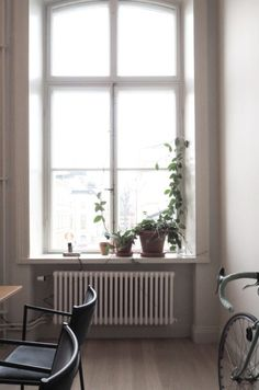 A look into the home of Swedish Architect Andreas Martin-Löf. During Stockholm Design week I had the chance to tour this stunning apartment. Window Ledge Decor, Window Sill, Interior Architecture, Interior Design, Room With Plants, Boho Room, Swedish Design, Slow Living, Windows And Doors