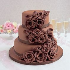 brown with roses wedding cake