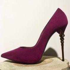 Breathtaking beauty & unique design of torchon heel from Le Silla 😍  This Autumn let's fall in love with high heels! 💕  #CherryHeel #LuxuryShoeBoutique #instastyle #Barcelona #shopping #outfitoftheday #styleoftheday #ootd #lookoftheday #love #urbanfashion #fashiondiaries #heels #womenstyle #fashionkiller #fashiongram #inspo #catalunyaexperience #ig_barcelona #igersbcn #thebarcelonist #descobreixcatalunya #iphoneonly #барселона #шоппинг #сентябрь #новаяколлекция