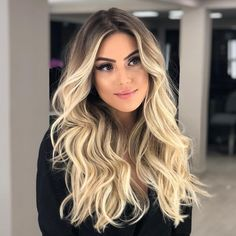 97 ombre hair colors for 2018 - Hairstyles Trends Cabelo Ombre Hair, Balyage Hair, Balayage Hair Blonde, Bayalage, Blonde Hair Looks, Brown Blonde Hair, Ombre Hair Color, Blonde Color, Pretty Hairstyles