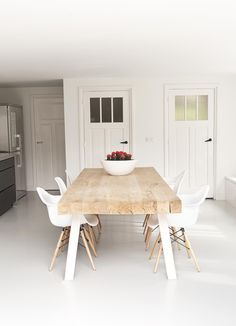 Find dining room ideas for dining room decor and dining room design, dining room table, dining room table centerpiece ideas, dining rooms & dining room design and more with before and after and before dining rooms Read Wooden Dining Tables, Dining Room Table, Dining Chairs, Kitchen Dining, Eames Chairs, Kitchen Floor, Chunky Dining Table, Butcher Block Dining Table, Timber Table