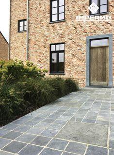Blauwe steen terrastegels van 20x20cm vind je ook bij Impermo. Natuursteen klein formaat van 2,5cm dik met mooi ambachtelijk verouderde kanten is topkwaliteit en tijdloos! #terras #terrace #outdoor #20x20 #tiles #blauwesteen #terrastegel #ambachtelijk #natuursteen #kassei #landelijk #verbouwing #klassiek #renovatie #strak #pastorij Garden Paths, Garden Landscaping, Terrace Tiles, Hanoi, Design Jardin, Patio Flooring, Small Garden Design, Outdoor Living, Outdoor Decor