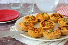 Sünis kanál: Hagymás-aszalt paradicsomos minipiték Baked Potato, Muffin, Potatoes, Baking, Breakfast, Ethnic Recipes, Food, Morning Coffee, Potato