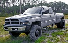 2002 Dodge Cummins 3500RAM Dually 4x4 Dodge Dually, Dodge 3500, Dually Trucks, Dodge Trucks, New Trucks, Cummins Diesel Trucks, Dodge Ram Diesel, Welding Trucks, Welding Rigs