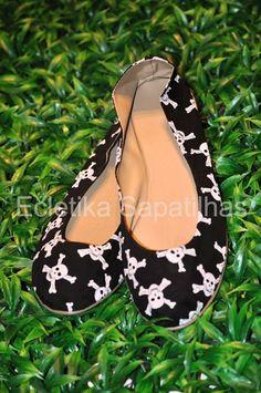 skull shoes - I NEED!!!!!