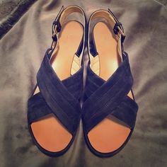 J. CREW MARCIE SUEDE WEDGE 8✨ It's hard to find a navy shoe that isn't boring and basic. This shoe has style, is comfortable and is a great addition to any wardrobe! Gently worn, in great condition✨ see pics True to size US 8. J. Crew Shoes Wedges