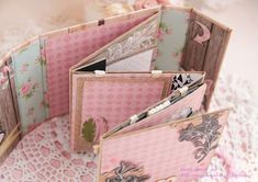 "FANTASY: Как я это делаю: ""Миник - раскладушка"" Scrapbook Journal, Mini Scrapbook Albums, Baby Scrapbook, Baby Mini Album, Mini Photo Albums, How To Make Scrapbook, Memory Album, Mini Album Tutorial, Scrapbooking"