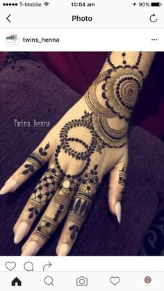 Are you looking for tattoo ideas? Then, here are the Most Popular Leaf Tattoos Ideas You'll Love inform and inspire ? Henna Hand Designs, Mehndi Designs Finger, Khafif Mehndi Design, Stylish Mehndi Designs, Mehndi Design Pictures, Mehndi Designs For Fingers, Beautiful Mehndi Design, Best Mehndi Designs, Henna Tattoo Designs