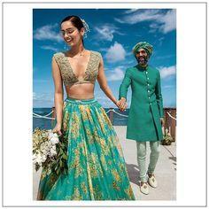 Creative Sabyasachi Bridal Lehenga Designs images on Designspiration Sabyasachi Lehenga Bridal, Bollywood Saree, Bollywood Fashion, Lehenga Designs, Kurta Designs, Blouse Designs, Seychelles, Sabyasachi Bridal Collection, Summer Wedding Outfits