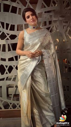 Designer Kanjivaram Silk Saree The post Designer Kanjivaram Silk Saree appeared first on ThealiceOnline. Indian Beauty Saree, Indian Sarees, Indian Wedding Outfits, Indian Outfits, Indian Dresses, Wedding Dresses, Saree Trends, Silk Saree Blouse Designs, Sari Dress