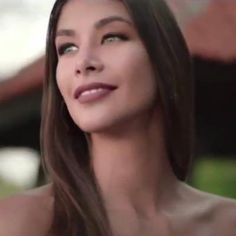 Classically pretty Venezuelan model  Dayana Mendoza was Miss Universe 2008.
