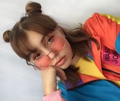 New hair bangs glasses lips ideas Fast Fashion, Fashion Beauty, Festival Looks, Pretty People, Beautiful People, Bangs And Glasses, Selfie Foto, Foto Pose, Mode Vintage