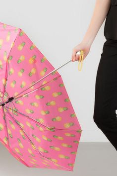 Stay+dry+&+stylish+with+the+Pineapple+Umbrella!+This+adorable+umbrella+features+colorful+pineapples+with+pink+&+yellow+accents.+Pair+with+our+additional+travel+accessories+for+a+complete+look.<br+/> <br+/> -+Imported<br+/>