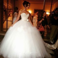 Wedding Dress 2017 Bridal Ball Gown Shiny V Neck Sequined Bow Vestido De Noiva Tulle Floor-Length Plus Size Wedding Dresses