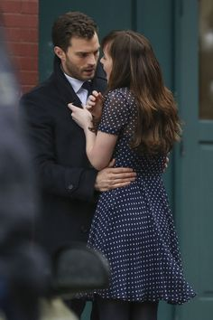 Jamie Dornan and Dakota Johnson film Anastasia Steele's sexual assault scene on the set of Fifty Shades Darker. Dakota Johnson Fifty Shades Darker, Fifty Shades Darker Book, Shades Of Grey Film, Fifty Shades Series, Fifty Shades Movie, Christian Grey, Jamie Dornan Film, Jaime Dornan, 50 Shades Darker