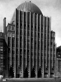 Anzeiger-Hochhaus, Hannover. Arq. Fritz Hoeger, 1928