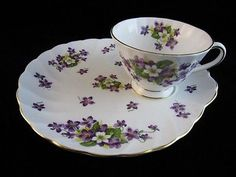 Royal Tuscan - WOODLAND VIOLET - Snack Tray & Cup Set