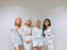 Image may contain: 4 people, people standing K Pop, Korean Girl Groups, Boy Groups, South Korean Women, Nct Taeyong, Rainbow Bridge, Night Outfits, Musical, Nayeon