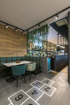 Charlie Pizza by is a new restaurant project designed by In Arch and is located in Kaunas, Lithuania. Photos by Leon Garbačauskas Restaurant Interior Design, Cafe Interior, Industrial Restaurant Design, Pizza Store, Pub Design, Industrial Cafe, Pizza Restaurant, Ideas Hogar, Cafe Bar