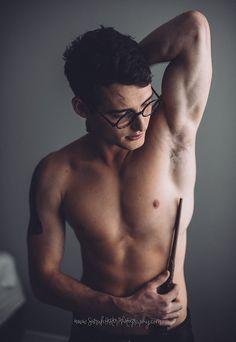 Pare o que estiver fazendo e veja este ensaio sensual de Harry Potter