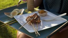 Grilled Chicken #Satay with Peanut Sauce | Villeroy & Boch Modern Grace Salad Plate