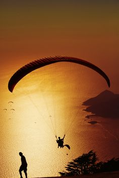 parasailing in key west was super! Nothing Gold Can Stay, Shadow Silhouette, Parasailing, Skydiving, Extreme Sports, Rafting, Outdoor Activities, Travel Pictures, Art Pictures
