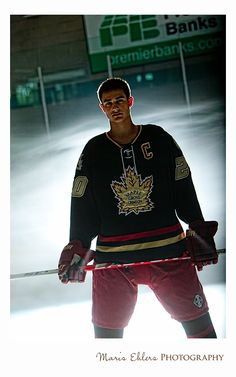 A cool senior picture by Maris Ehlers Photography #hockey #sports #seniors #photography