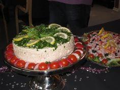 Denne tunmousse lavede til min mands 30 års fødselsdag. Tema'et var 80'erne, så en tunmousse var et absolut must. Denne portion passer til e... Pasta, Fish Dishes, Brunch, Cheese, Desserts, Pizza, Salads, Tailgate Desserts, Deserts