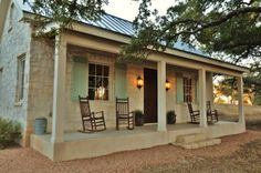 CURB APPEAL – another great example of beautiful design. Fredericksburg Cottage with traditional porch by Bonterra Building & Design. Stone Cottage, Farmhouse Porch, Country Cottage, House Plans, Hill Country Homes, Small Cottage, Stone Cottages, Guest House Small, Guest Cottage