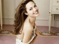 """Men don't really like skinny, do they?,"" Angie asks. ""Ever since I dated a woman, I know what it is to grab a curve on a woman's body. Skinny's not fine when the lights are low."" Angelina Jolie photographed by Annie Leibovitz for Vanity Fair June 2005 Annie Leibovitz Fotos, Annie Leibovitz Photography, Vanity Fair, Glamour, Angelina Jolie Fotos, Angelina Jolie Photoshoot, Angelina Joile, Celebrity Smiles, Celebrity Headshots"