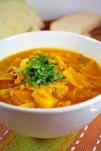 A Warm Spicy Detox Cabbage Soup spicy detox soup Detox Soup Cabbage, Cabbage Soup Recipes, Cabbage Diet, Nutrition Education, Cena Paleo, Soup Cleanse, Detox Soups, Cleanse Detox, Cleanse Recipes