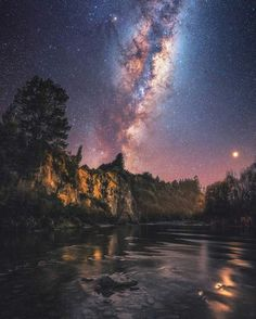 milky way night sky Milky Way Photography, Night Photography, Landscape Photography, Nature Photography, Landscape Photos, Milky Way Planets, Night On Earth, Space And Astronomy, Astronomy Stars