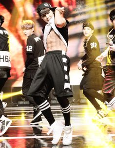 He's so proud w his abs! Jimin ♥♥♥