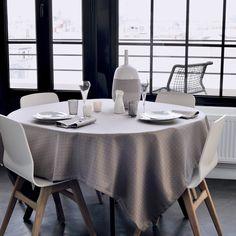 Nappe style contemporain Garnier-Thiebaut - Modèle : Puzzle - Nappe en coton anti-tache - Coloris : gris
