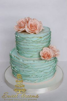 Svetlana Kemichadzhi's photos 60th Birthday Cakes, Gold Birthday Cake, Birthday Cake Girls, Mint Wedding Cake, 2 Tier Wedding Cakes, Fondant Cakes, Cupcake Cakes, Ruffle Cake Tutorial, Aqua Cake