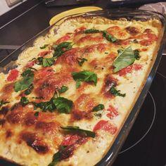 Mozzarella - Hähnchen in Basilikum - Sahnesauce, ein schmackhaftes Rezept aus der Kategorie Schnell und einfach. Bewertungen: 1.424. Durchschnitt: Ø 4,7.