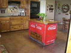 coca cola home decor awesome large elegant enclosed ceramic floor kitchen island coke chest converted to co Rustic Kitchen, Vintage Kitchen, Kitchen Decor, Kitchen Ideas, Coca Cola Addiction, Coca Cola Kitchen, Cocoa Cola, Coca Cola Decor, Coke Machine