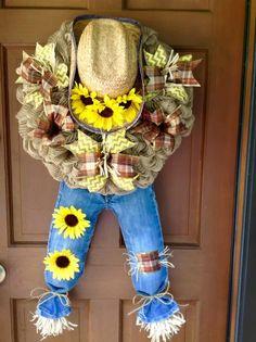 Fall Mesh Wreaths, Fall Deco Mesh, Deco Mesh Wreaths, Holiday Wreaths, Wreath Crafts, Diy Wreath, Wreath Making, Burlap Crafts, Fall Door Decorations