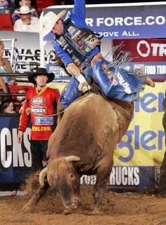 Tulsa, 2008, Mike White rides TROUBADOUR for 95.75 points!