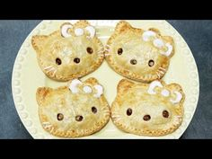 Click here to learn how to make mini Hello Kitty caramel apple pies!