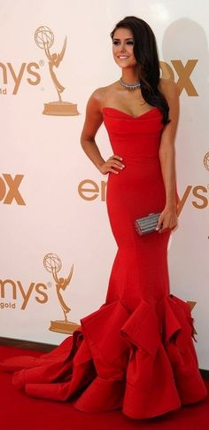 Nina Dobrev, beautiful dress.