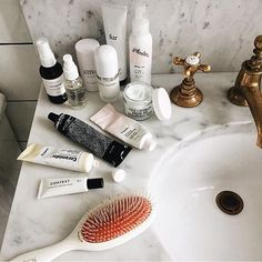 Pin for Later: 6 einfache Tipps um euren Badezimmer-Schrank auszumisten Nutzt den Platz, den ihr habt