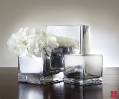 Vases painted with mirror effect paint