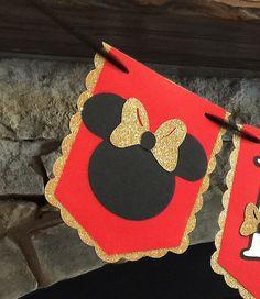 Rojo y oro brillan Banner de cumpleaños de Minnie por Skrapologie