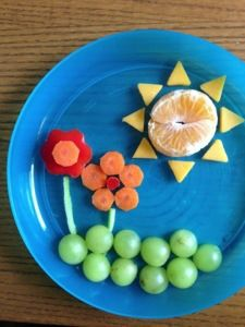 In remembrance of sunnier days. Clementine, cheddar cheese, red bell peppers, carrots, celery stems, grapes