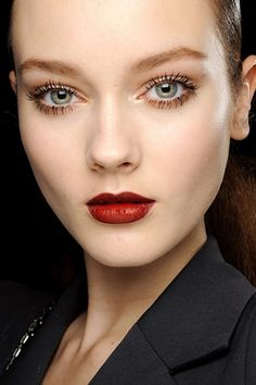red lips + long lashes