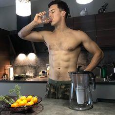 αθλητισμός και καθαρό νερό - AQUAPHOR PROVANCE Kitchen Appliances, Diy Kitchen Appliances, Home Appliances, Kitchen Gadgets