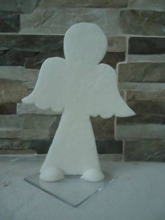 Topo de Bolo - Silhueta de Anjo  Usado para batizado de meninos ou meninas.  Também posso confeccionar, chaveiros, imãs....(consulte-nos)  O Produto será embalado individualmente no celofone e fitilho. R$ 15,00
